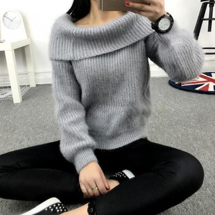 Label Neck Off Shoulder Long Sleeve..