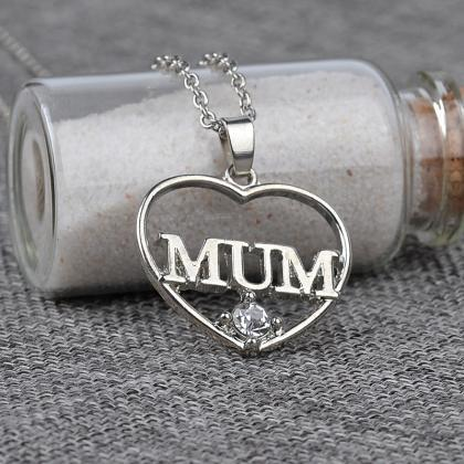 Gold or Silver Heart Shape 'Mum' Pe..