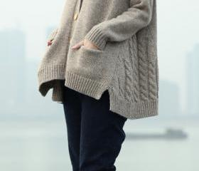 Cable Knit Solid Poc..