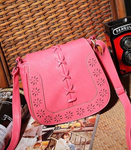 Vintage Style Hollow Women Shoulder Bag