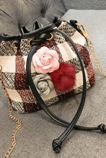 Floral Decoration String Woollen Cross Body Bag