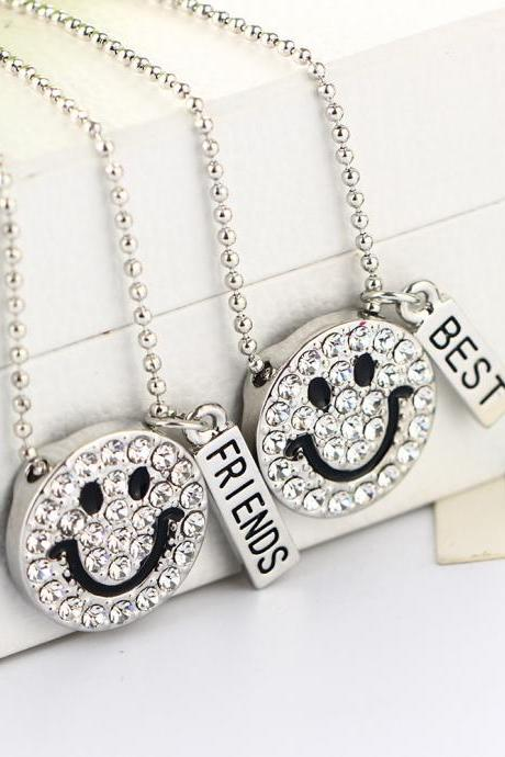 Fashion Smile Engraved Pendant Necklace