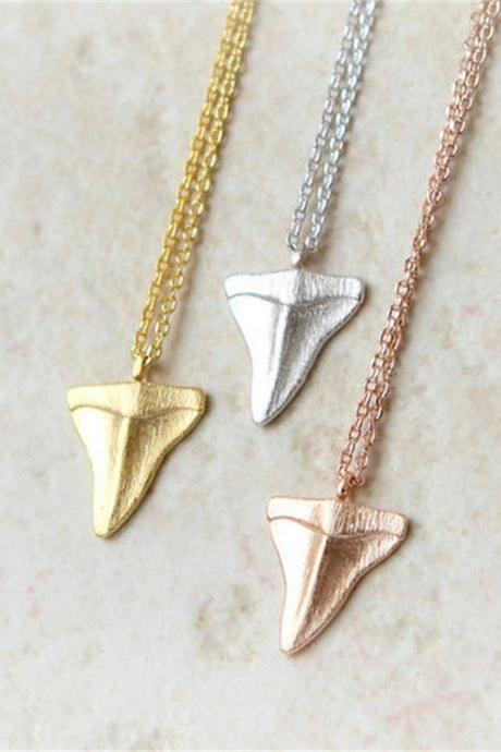 Simple Personality Shark Teeth Pendant Necklace