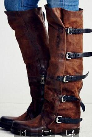 LEATHER BUCKLE LOW HEEL KNEE HIGH BOOTS