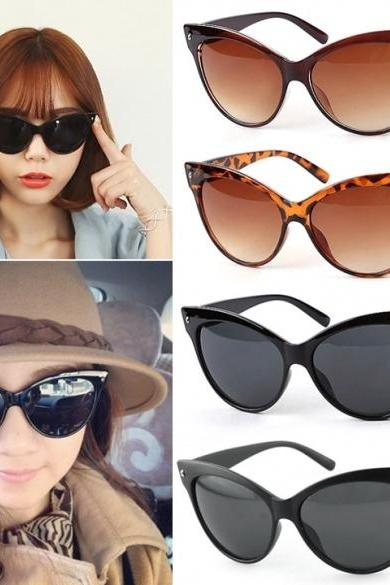 New Eyewear Women's Retro Vintage Shades Fashion Oversized Designer Sunglasses