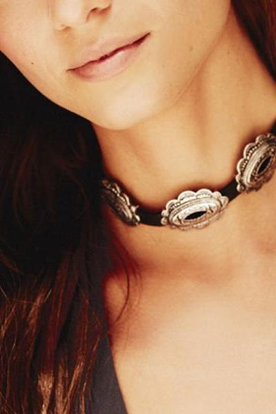 Exaggerated Personality Carved Women's Collars Necklace