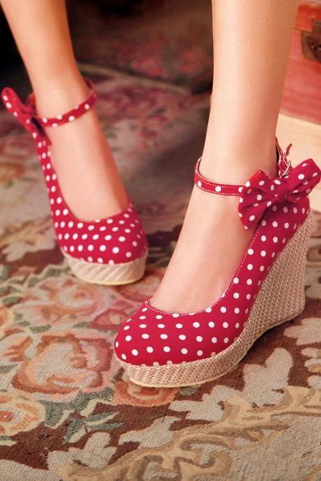 Polka Dot Round Toe Wedge Heels with Ribbon Ankle Straps