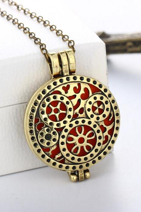 Hollow Out Gear Pendant Colorful Chrismas Necklace