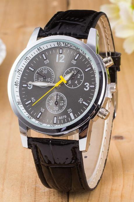 Three Eyes Leather Leisure Fashion Quartz Watch