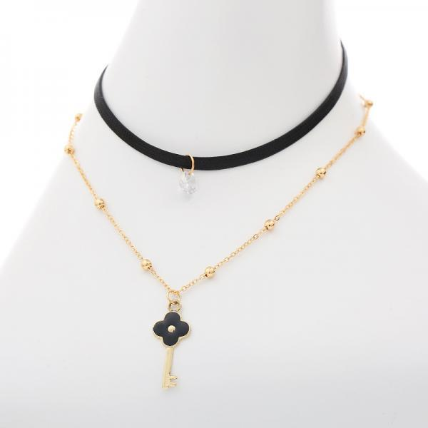 Four-leaf Cloverleaf Pendant Leather Strap Alloy Clavicular Necklace