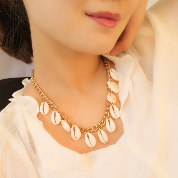 Light luxury all-match Natural Shell Necklace Chain clavicle