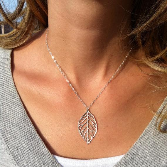 Simple Metal Leaves Short Necklace