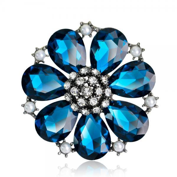 High-grade Elegant Alloy Crystal Brooch
