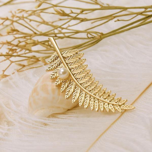 Fashion simple all-match pearl leaf leaf metal Brooch