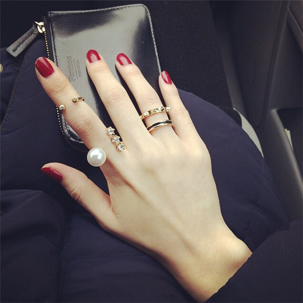 Lady's split rivet joint ring pearl with drill a three-piece suit